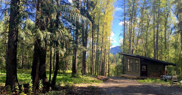 hut exterior summer
